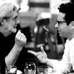 Entrevista con J.J. Abrams por 'Total Film' hablando de como Geroge Lucas entro a ayudar a construir Episodio IX «él ama a sus midiclorianos. Pero fue algo bastante útil.»